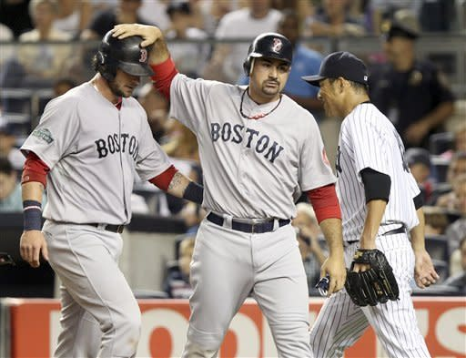 Ciriaco delivers against Yanks again, Red Sox win
