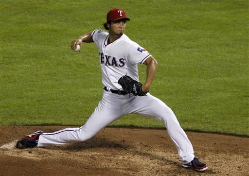Darvish 15 wins, 200 Ks; Texas wins 9-3 over M's