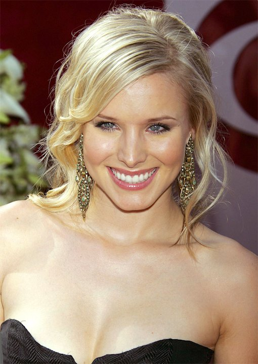 Kristen Bell at The 57th Annual Primetime Emmy Awards.