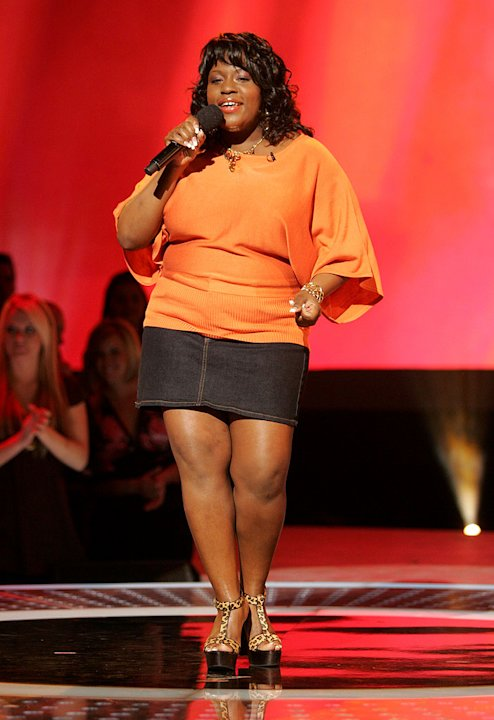 Lakisha Jones performs in front of the judges on the 6th season of American Idol.