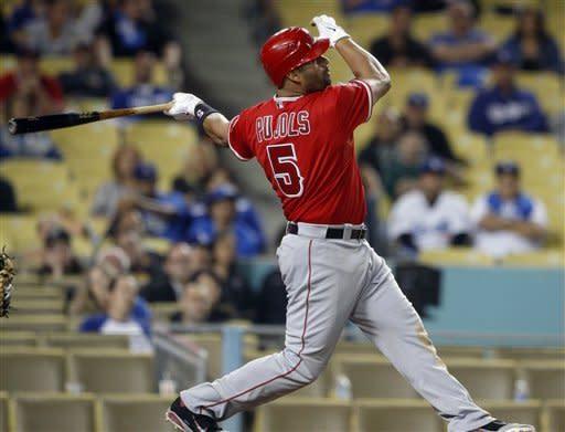 Pujols' hit helps Angels beat Dodgers 3-2