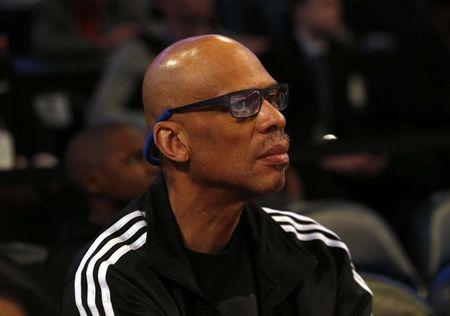 All-time scoring leader Abdul-Jabbar has heart surgery
