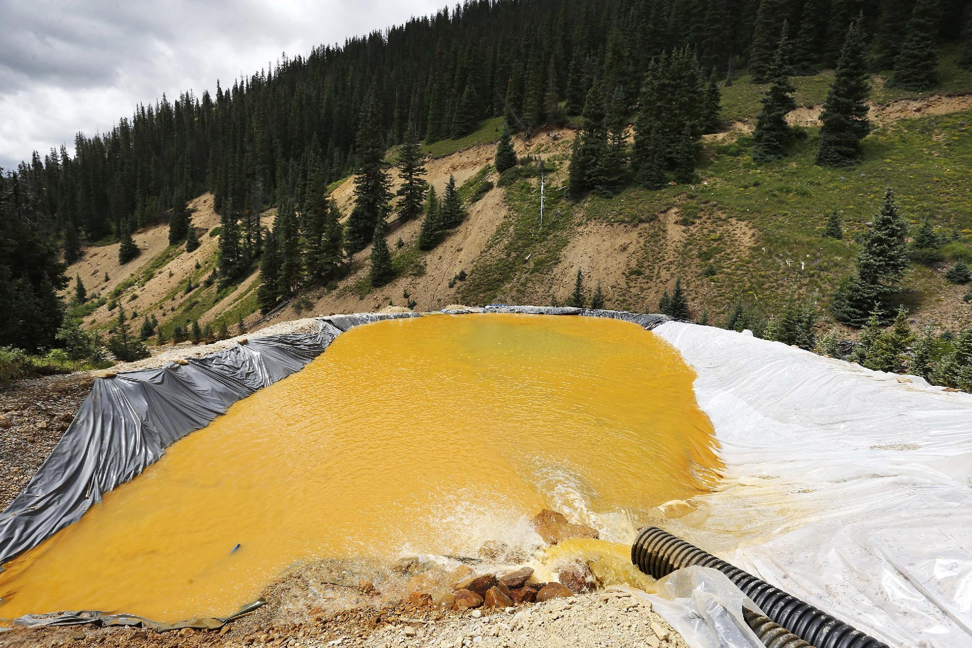 EPA: Mine spill dumped 880,000 pounds of metals in river