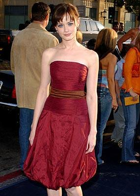 Premiere: Alexis Bledel at the Hollywood premiere of Warner Bros. Pictures' The Sisterhood of the Traveling Pants - 5/21/2005