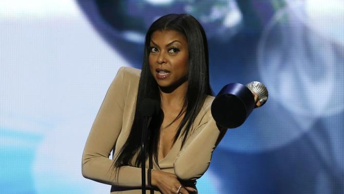"""Taraji P. Henson accepts the award for Outstanding Actress In A Drama Series for her role in """"Empire"""" at the 47th NAACP Image Awards in Pasadena"""