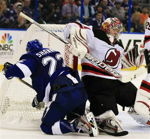 Parise, Henrique key Devils' win over Lightning
