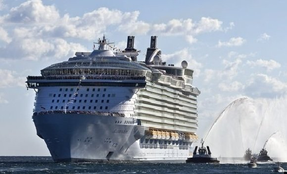World's largest cruiseship, …