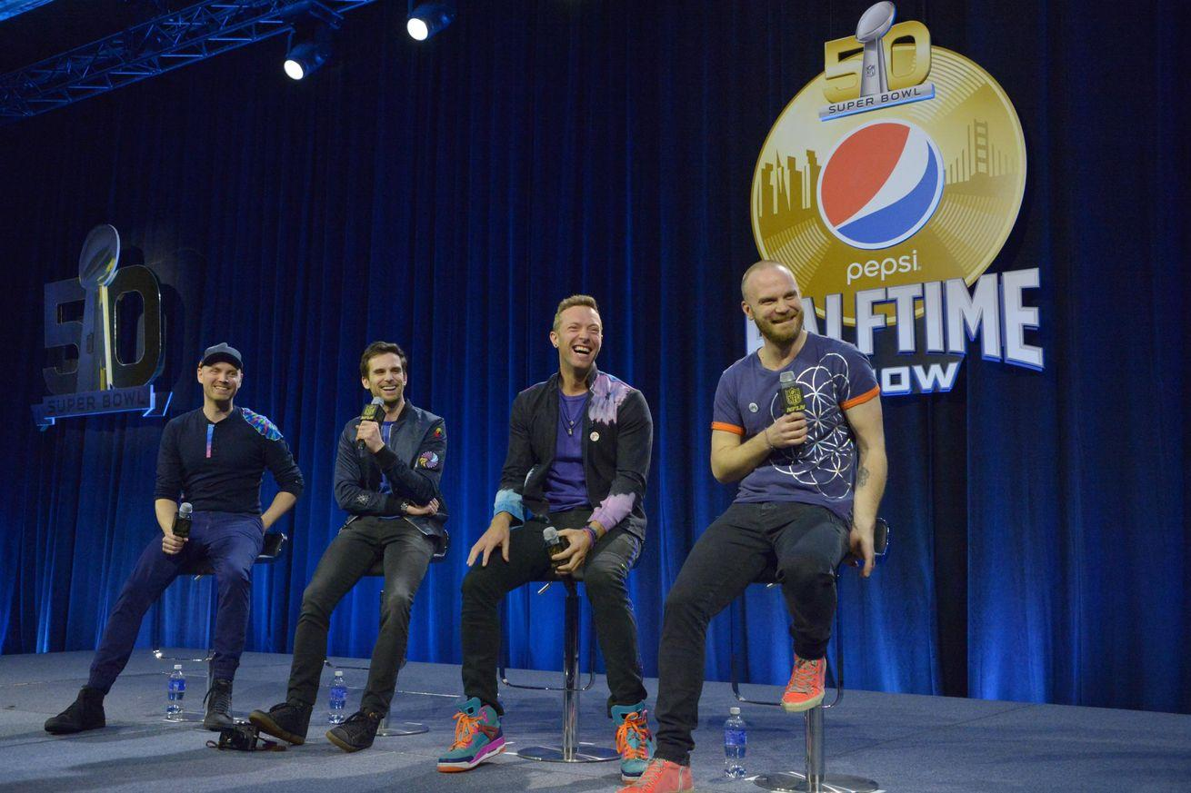 Super Bowl 2016 halftime show: Coldplay makes its Super Bowl debut with the help of Beyonce and Bruno Mars