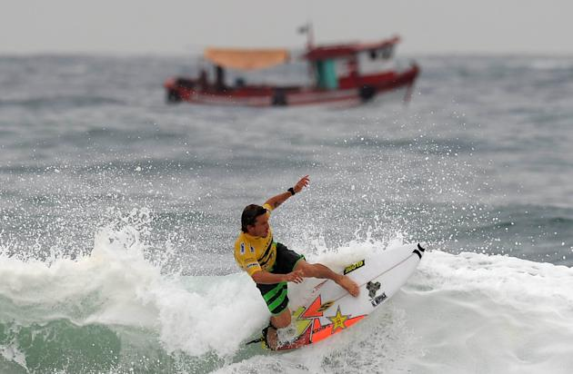 Australian Yadin Nicol competes in the Association of Surfing Professionals' men's 2012 ASP World Championship Tour at Barra da Tijuca beach in Rio de Janeiro, Brazil, on May 14, 2012.  AFP PHOTO/VAND