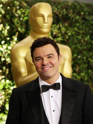 Seth MacFarlane's Oscar Night Grooming Routine, Under-Eye Concealer and All