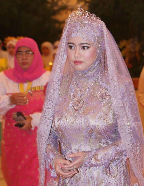 Putri Hajah Hafizah Sururul Bolkiah dari Brunei Darussalam.