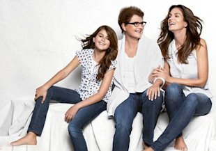 Cindy Crawford Poses With Her Mother And Daughter For JCPenney's Mother's Day Campaign