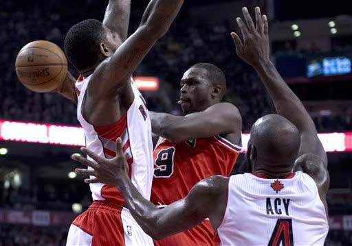 Johnson scores 24 as Raptors beat Bulls 97-88