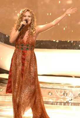 Carrie Underwood is named the winner Fox's American Idol