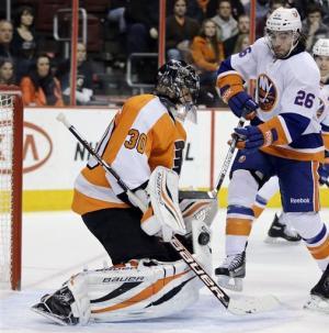 Islanders top Flyers 4-3 in shootout