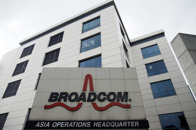 Broadcom profit beats as demand rises from smartphone makers