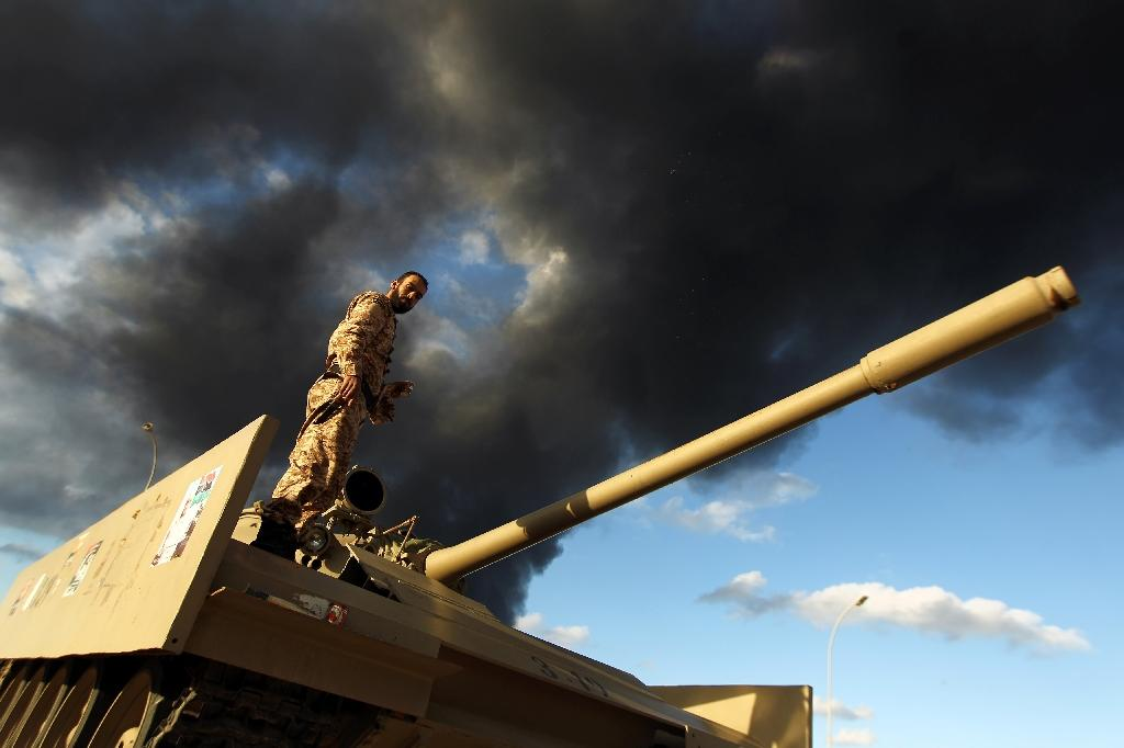 Warring parties trap civilians in Libya's Benghazi: HRW