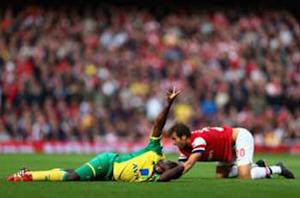 Blow for Arsenal as Flamini ruled out for two weeks