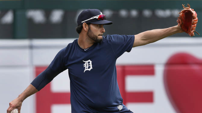 Detroit Tigers pitcher Anibal Sanchez throws during baseball practice in Detroit Tuesday, Sept. 30, 2014. The Detroit Tigers start the playoffs at the Baltimore Orioles in Game 1 of the American League Division Series Thursday. (AP Photo/Paul Sancya)