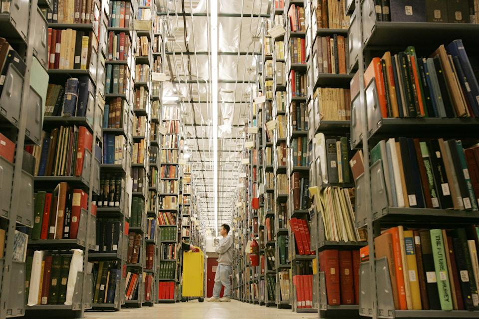 Google, publishers shelve book-scanning suit