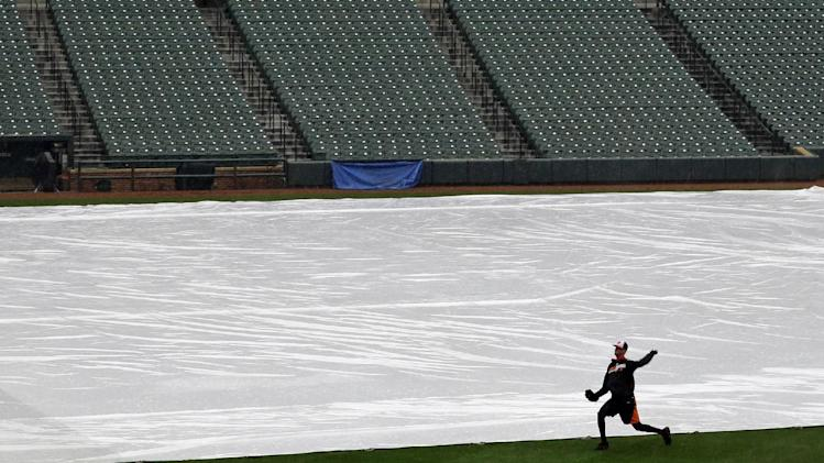 Pirates-Orioles rained out; will play DH Thursday