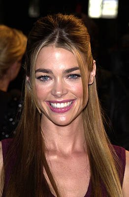 Premiere: Denise Richards at the Hollywood premiere of Warner Brothers' Valentine - 2/1/2001