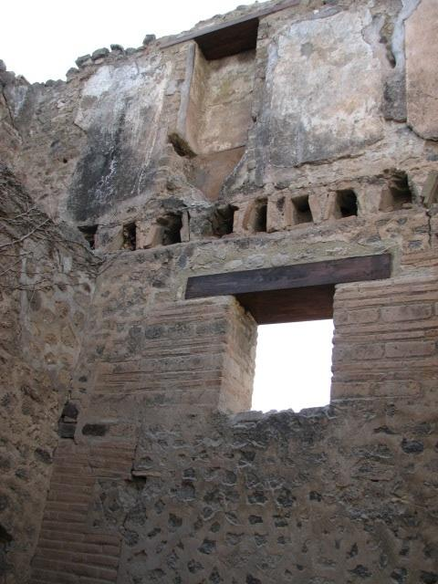 Ancient Pompeians Could Go Upstairs to Pee