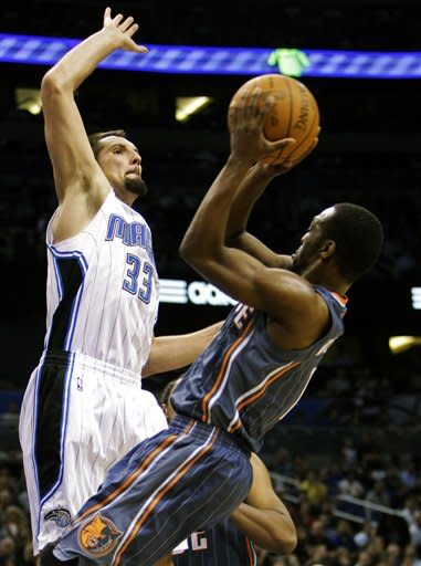 Magic hang on to beat Bobcats, 96-89