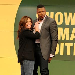 'Magic Michael' Strahan Dances for Donations