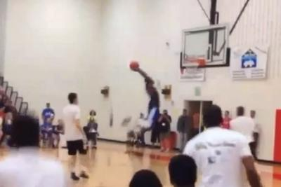Presenting the one-man alley-oop of the year