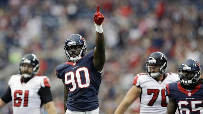 Clowney makes impact in Texans' 32-7 win