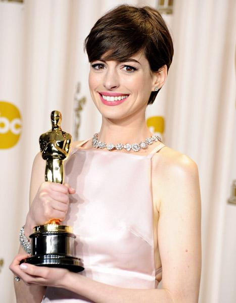 "Anne Hathaway at Oscars: Jokes About My Acceptance Speeches ""Get to Me"""