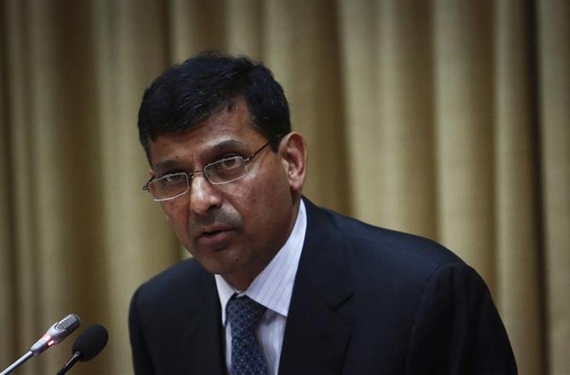 Raghuram Rajan, newly appointed governor of Reserve Bank of India (RBI), addresses a news conference at the bank's headquarters in Mumbai September 4, 2013. REUTERS/Danish Siddiqui/Files