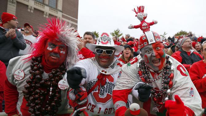 Buckeyes fans struggle with Ohio St's BCS plight