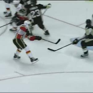 Matt Stajan sets up Jiri Hudler in front