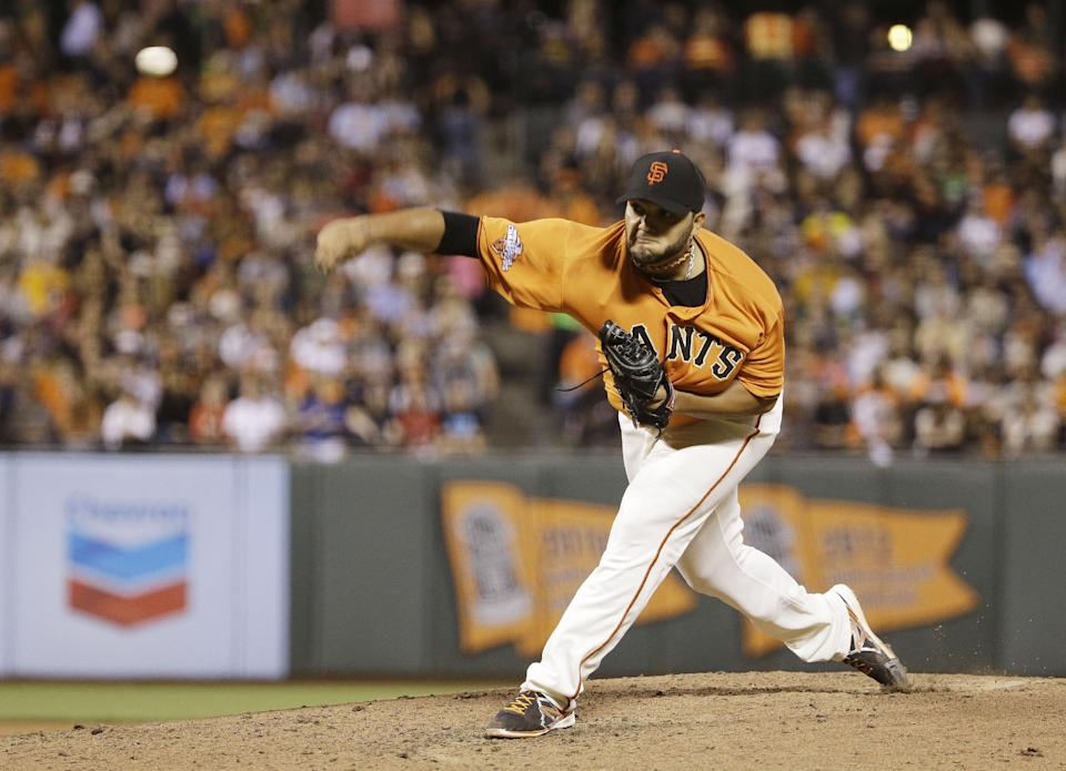 Petit nearly perfect as Giants beat D-Backs 3-0