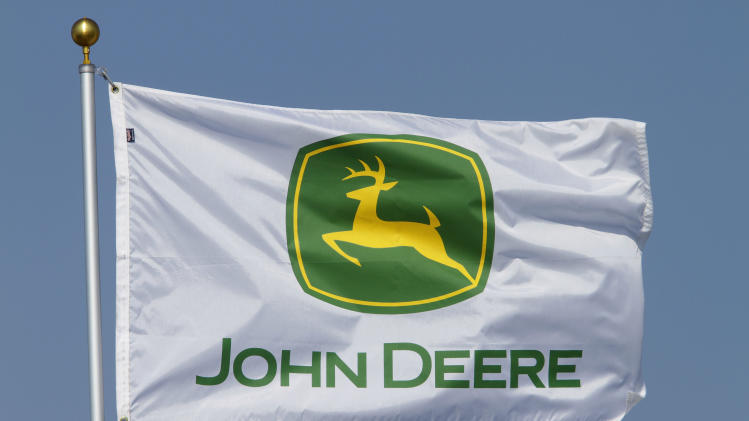 Deere has downbeat 2013 outlook, and shares fall