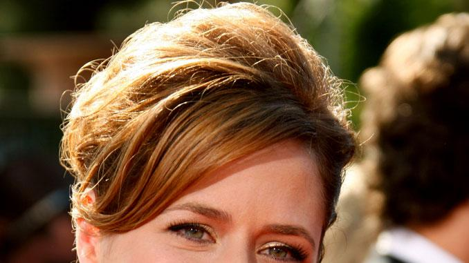 Jenna Fischer arrives at the 59th Annual Primetime Emmy Awards at the Shrine Auditorium on September 16, 2007 in Los Angeles, California.