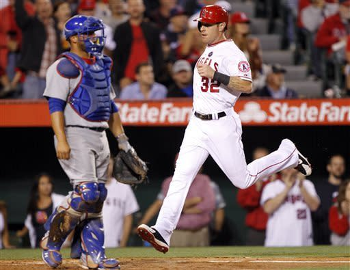 Pujols' 2-run HR in 8th lifts Angels over Cubs 4-3