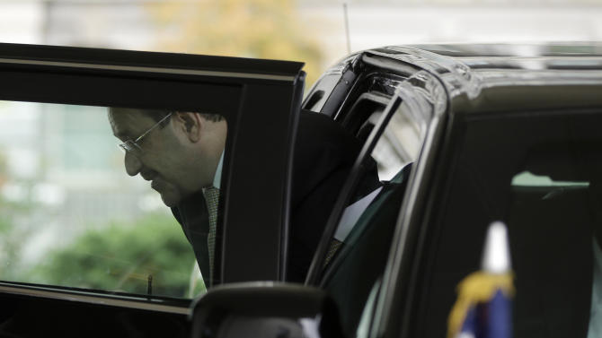 Iraq's Prime Minister Nouri al-Maliki steps out of his vehicle upon his arrival to the West Wing of the White House in Washington, Friday, Nov. 1, 2013, for a scheduled meeting with President Barack Obama in the Oval Office. (AP Photo/Pablo Martinez Monsivais)
