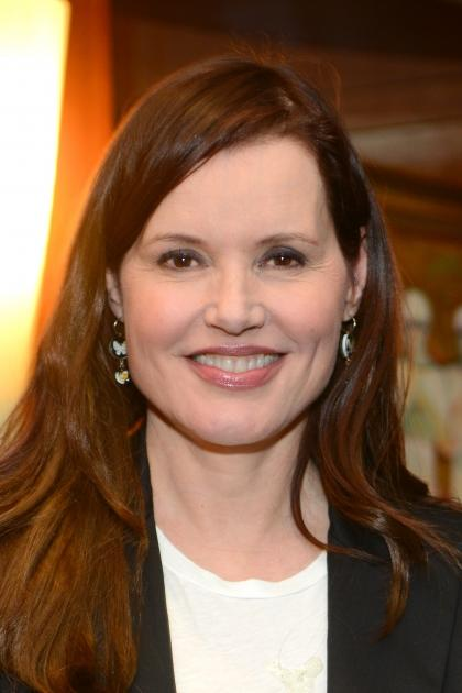 Geena Davis attends the Advancing Women Executives (AWE) afternoon tea with guest speakers Geena Davis and Nina Tassler at Beverly Hills Hotel on November 15, 2012 -- Getty Images