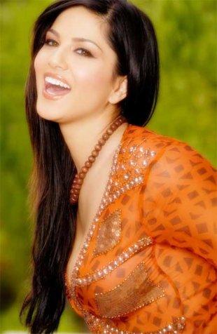 Sunny leone in Ragini MMS