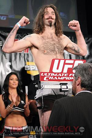 Cody McKenzie Drops to Featherweight, Chad Mendes His First Challenge