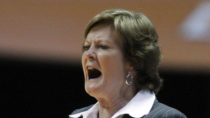 Tennessee head coach Pat Summitt yells to her team in the first half of an NCAA college basketball game against South Carolina on Thursday, Feb. 2, 2012, in Knoxville, Tenn. South Carolina won 64-60. (AP Photo/Wade Payne)