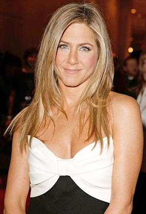 Jennifer Aniston Buys 10-Foot Christmas Tree for Holiday Party!