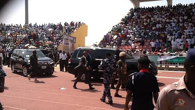 Nigeria's President Jonathan's convoy arrives for a presidential election campaign at the stadium in Jalingo