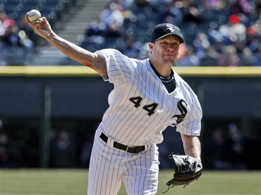 Dunn homers, White Sox beat Royals 5-2
