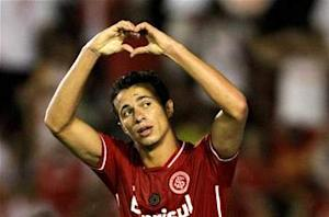 Internacional rejects Napoli bid for Damiao