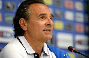 Prandelli hints at Italy exit