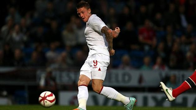 England U21&#39;s Connor Wickham scores (PA Photos)